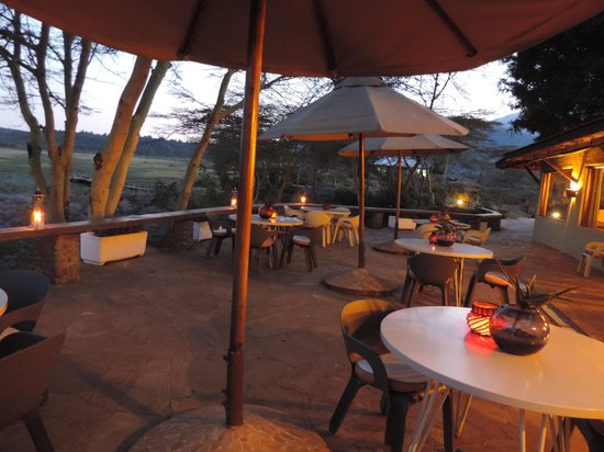 Hatari Lodge : We had our meals on the patio most of the time