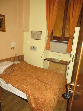 Hotel Santa Croce: Dante Room