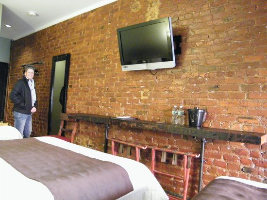 Sohotel: Exposed brick walls of the heritage building