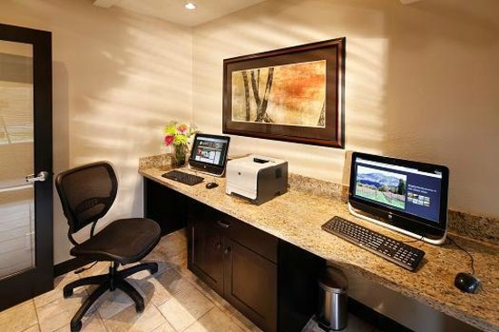 BEST WESTERN PLUS Inn at the Vines: Business Center