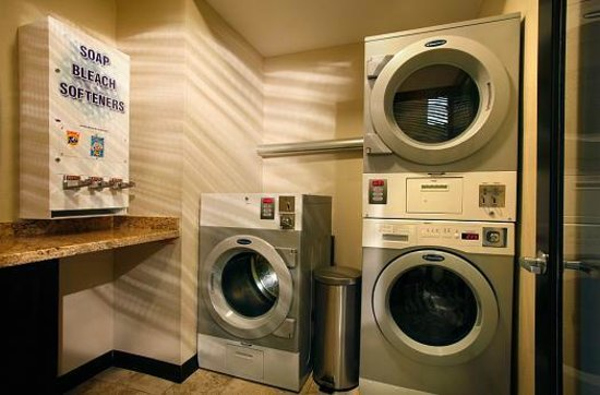BEST WESTERN PLUS Inn at the Vines: Guest Laundry