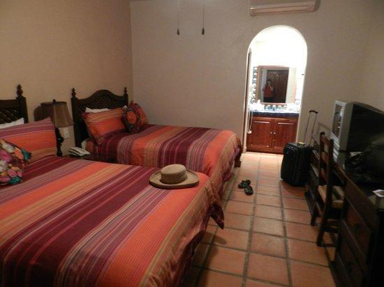 Tropicana Inn: A nice room