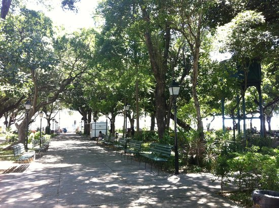 Passeio Público : Jardins da praça