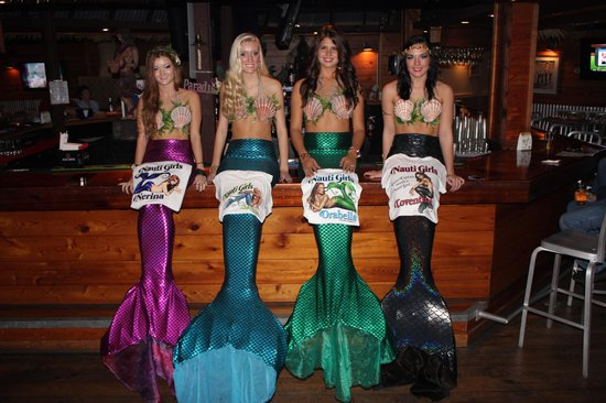 Nauti Girls Waterfront Bar & Grill: Get your favorite mermaid T-shirt