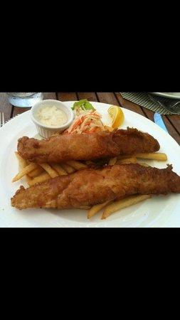 Hemingway's: Caybrew Fish & Chips