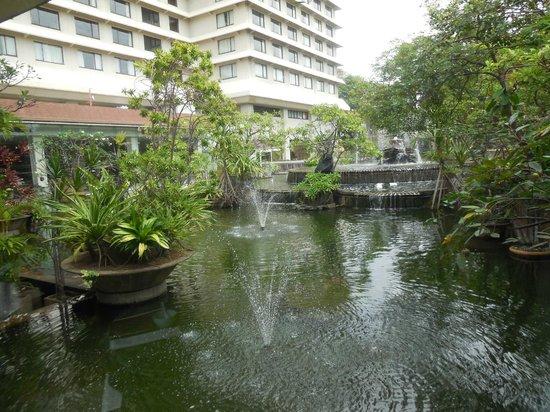 Hilton Colombo : Hotel & grounds