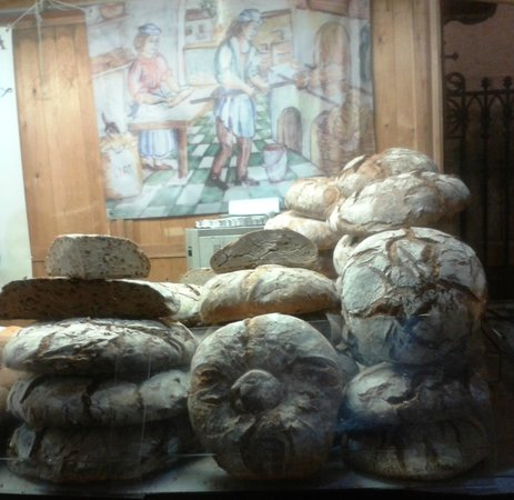 Catedral de Alcalá de Henares: В хлебной лавке у стен собора