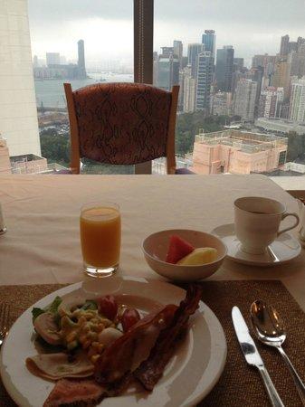 Regal Hongkong Hotel: Club Room buffet breakfast view