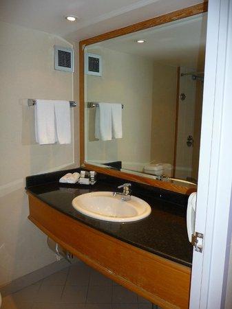 Mercure Sydney International Airport: Salle de bains