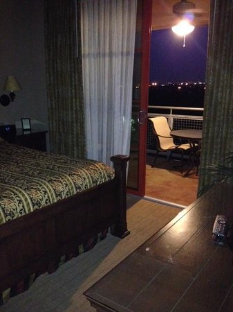 Hyatt Residence Club San Antonio, Wild Oak Ranch: 1 bedroom king room looking onto patio
