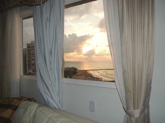 Hotel Dorado Plaza: Vista desde la habitación al mar