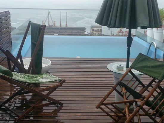 Aram Yami Hotel: Pool