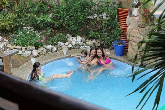 Xanadu Hotel: enjoy our heatedd pool