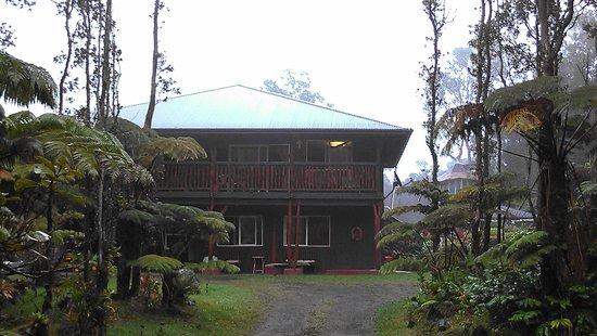 Aloha Crater Lodge: Main House