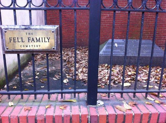 Admiral Fell Inn: Fell Family Cemetary