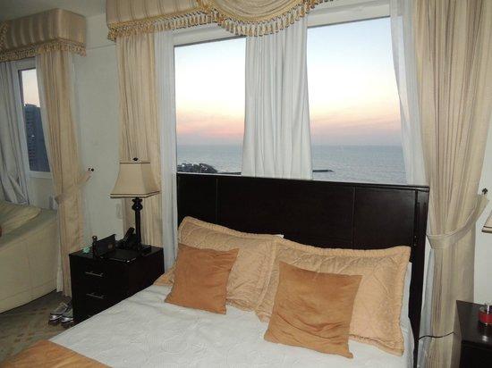 Hotel Dorado Plaza: Vista desde la cama