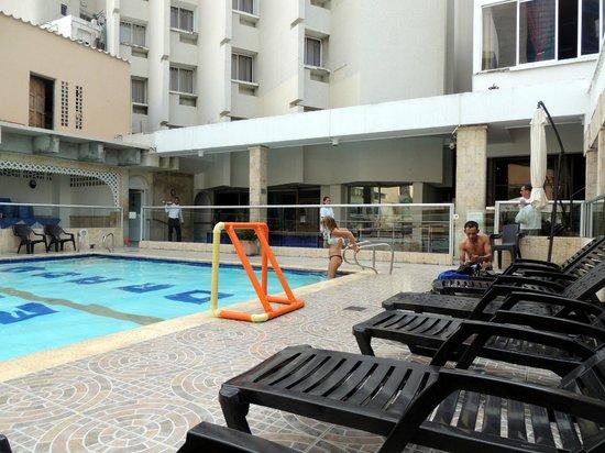 Hotel Dorado Plaza: Piscina