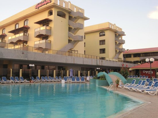 Hotel Copacabana: Pool area