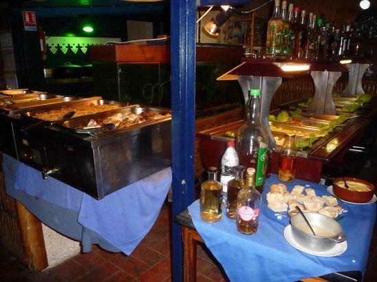 La Marmite - Restaurant Creole: Buffet de légumes et d'entrées