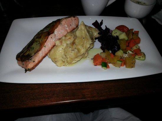 The Nest Bistro: Potato crusted salmon