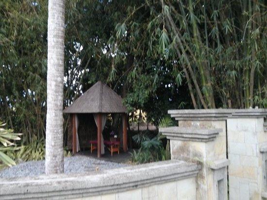 RedDoor Bali : Spa hut in the garden