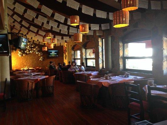 Los Chilaquiles Restaurante: interior del restaurante