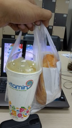 Vitamin9 - Smoothies Bar: My 'fancy' breakfast :P