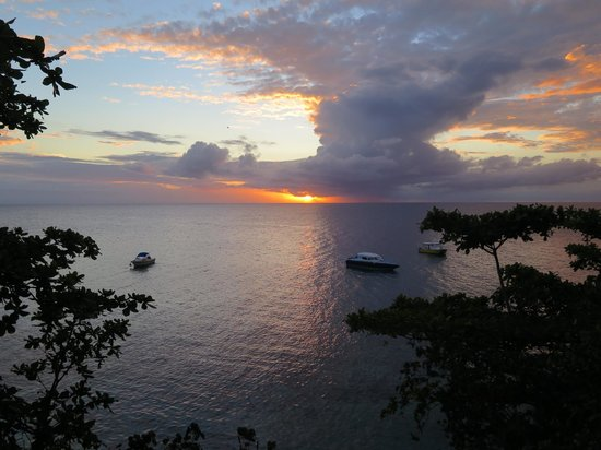 Royal Davui Island Resort: Sunset from our room