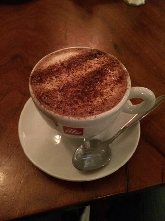 The West Gate Public House: Hot chocolate