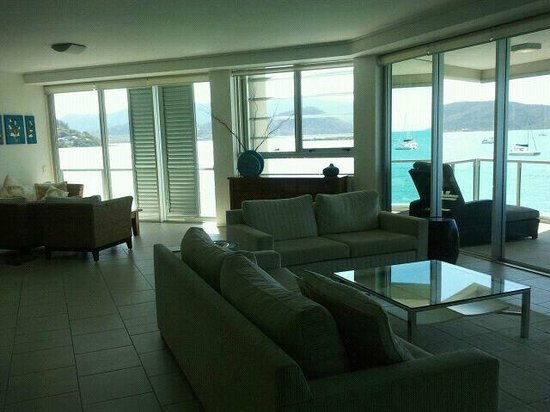 Peninsula Airlie Beach: wrap around view from the one room