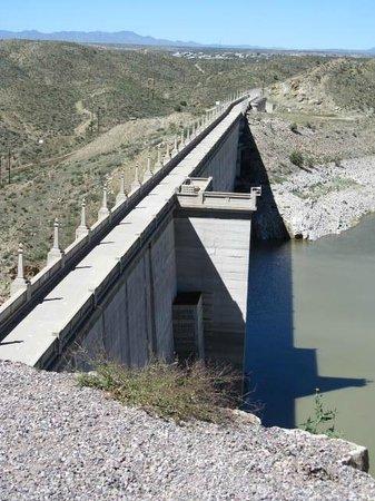 Elephant Butte Lake State Park: Dam