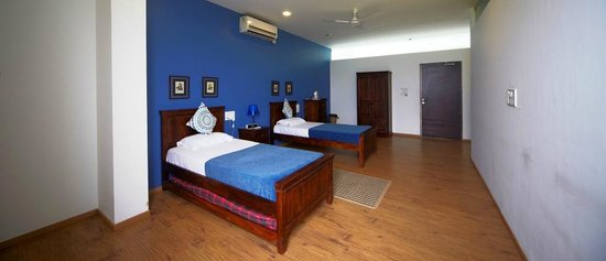 Akluj, الهند: Blue room - one of the rooms at the premises