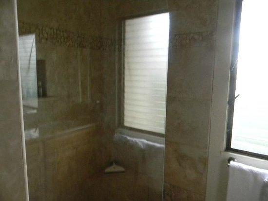 Wailea Elua Village: bathroom