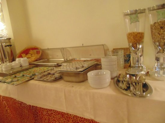 Hotel California Florence: the breakfast buffet
