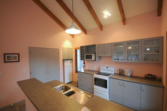 Willowbrook B&B and Cottages: The Cottage - kitchen