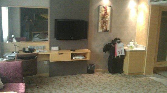 "Zhongshan Hotel (Jiangsu Conference Center): bedroom of the ""luxury suite"" I was forced to pay for"