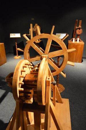 Leonardo Da Vinci Machines: Da Vinci's Pumps