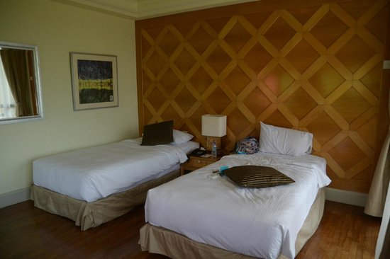 Langkawi Lagoon Beach Resort: nice bed