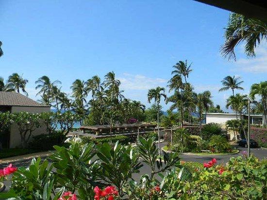 Wailea Elua Village : View from lanai unit 910 toward ocean