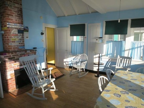Days' Cottages: The living area.  So bright and comfortable!