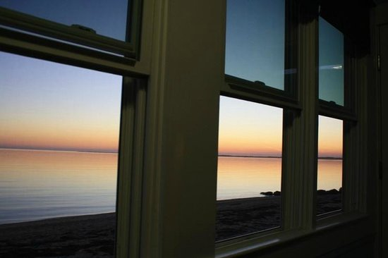 Days' Cottages: Glorious sunset from inside or outside.
