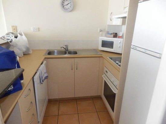 Breakfree Alexandra Beach Premier Resort: kitchen