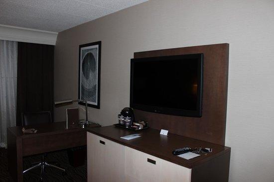 DoubleTree by Hilton Columbia : Tv area