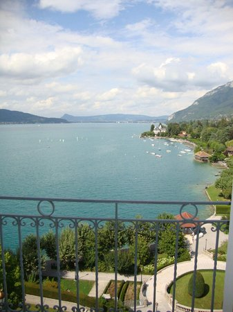 Le Palace de Menthon : A room with a view