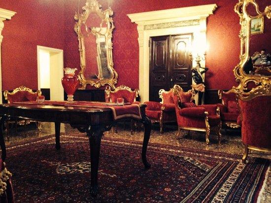 Palazzo Paruta: The Tearoom
