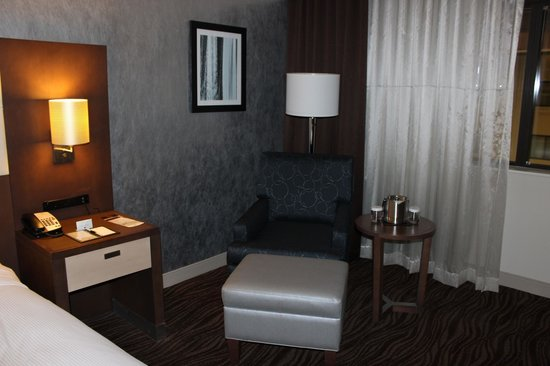 DoubleTree by Hilton Columbia : room
