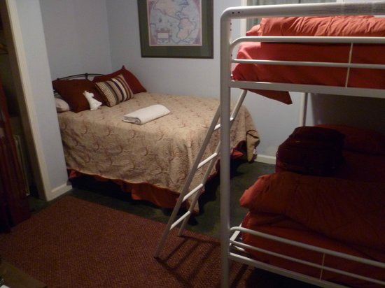 Indy Hostel: Private 4-person room; moved here after first room flooded