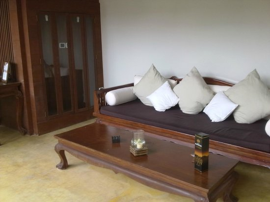 Malisa Villa Suites: sitting area