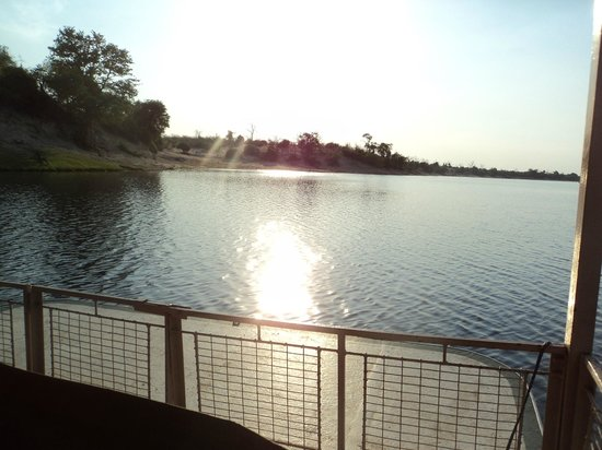 Chobe Game Lodge: View over Chobe River