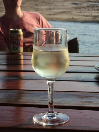 Chobe Game Lodge: Wine on the river cruise